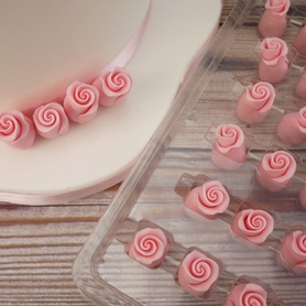Pale Pink Soft Sugar Rosebuds 13mm (38 pc.)