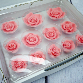 Box Of Mixed (Sizes) Pink Soft Roses (12Pc.)