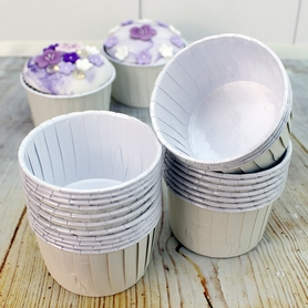 Soft White / Ivory Baking Cups For Cupcakes (24pc.)