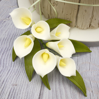 Sugar Calla Lily Spray In Ivory