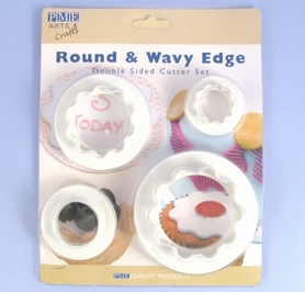 Set Of 4 Round & Wavy Edge Double Sided Plaque Cutters