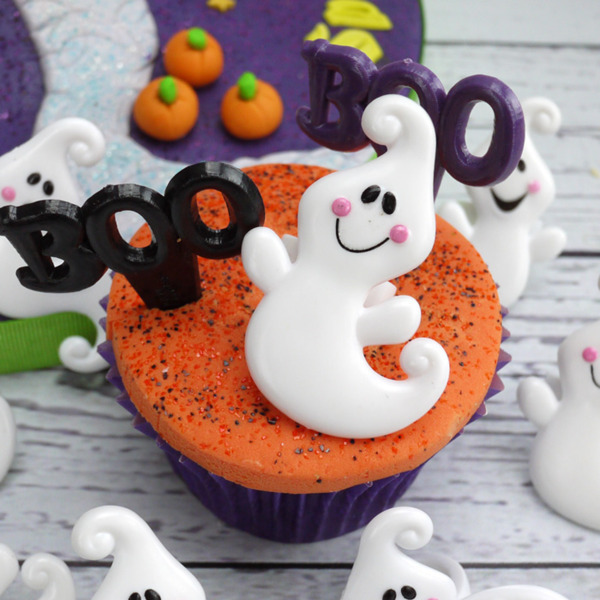 Plastic friendly ghost ring cake decorations for Large plastic rings for crafts