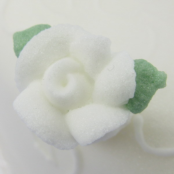 CCW Piped White Icing Roses With 2 Leaves