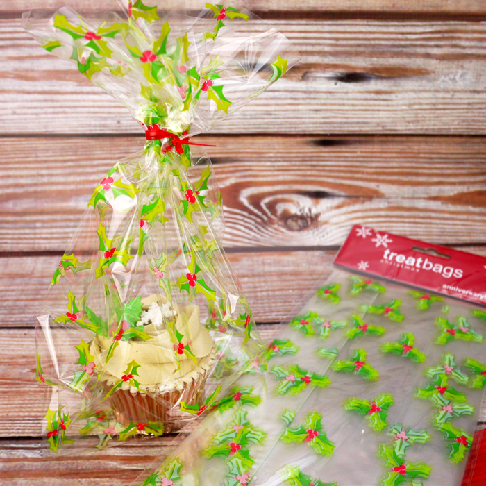 20 Large Cellophane Bags With Holly Design
