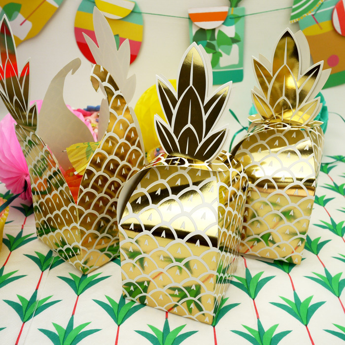 Golden Foil Pineapple Single Cupcake / Favour Boxes (8Pc.)