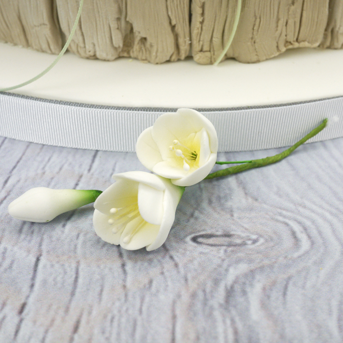Sugar Freesia Spray In White