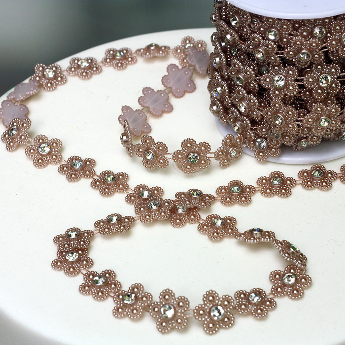 Rose Gold (Pink) Pearl Daisy Trim With Diamantes
