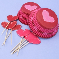 Pack Of 24 Valentine Cupcake Cases & Matching Picks