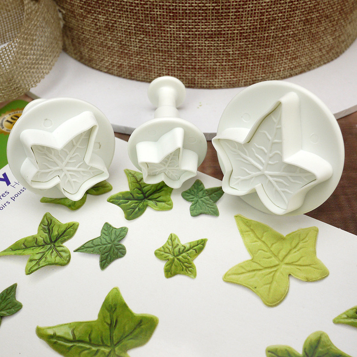 Set Of 3 Large Ivy Leaf Plunger Cutters
