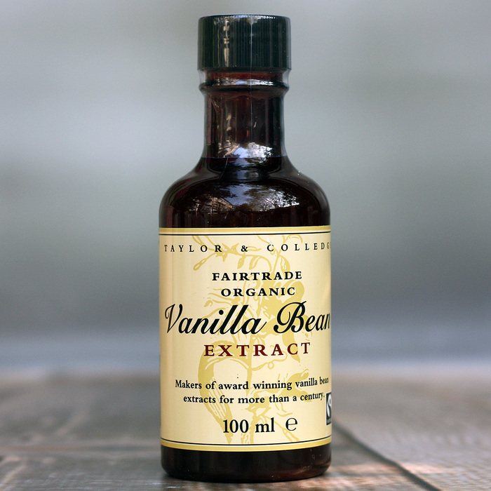 Taylor & Colledge VANILLA BEAN EXTRACT (100ml Bottle)