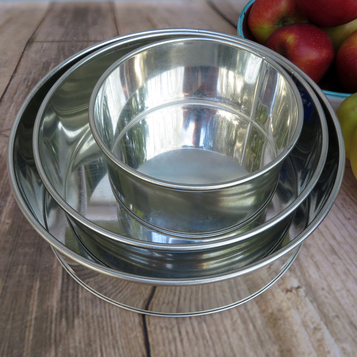 Set Of 3 Round Tins 6, 8 & 10 Inch