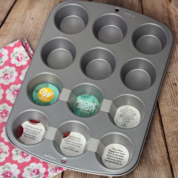 Wilton 'Recipe Right' 12 Cavity Muffin/Cupcake Tin