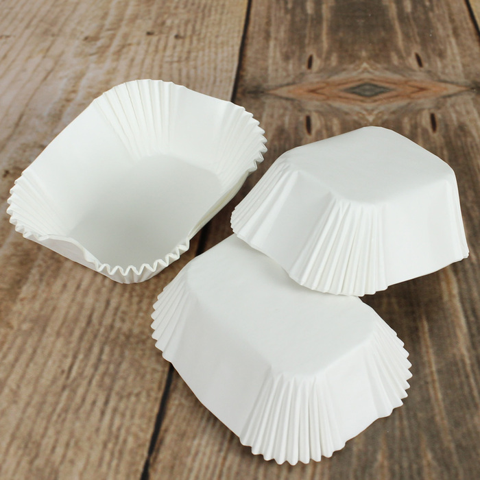 Pack Of 50 White Petite Loaf Baking Cases